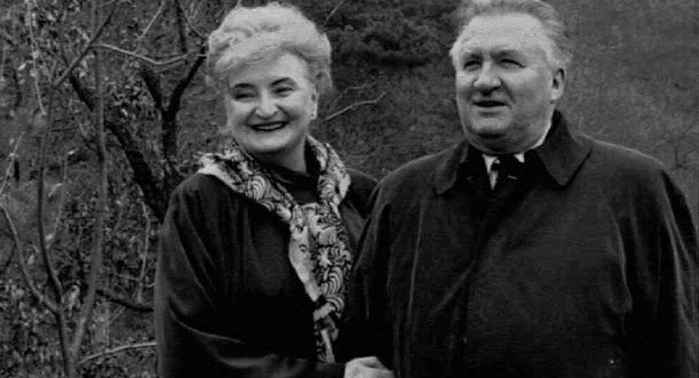 První prezident Michal Kováč s manželkou v Číně