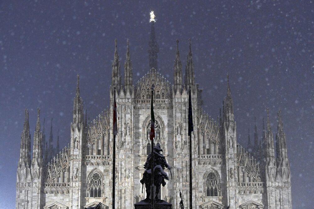 Sníh v Milánu