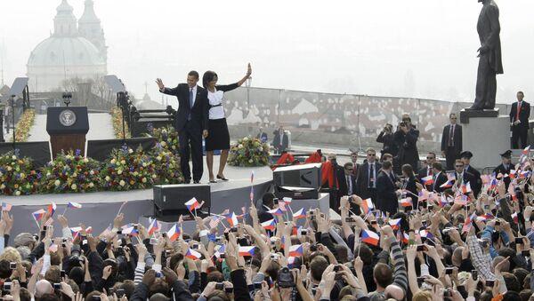 Barack Obama s chotí během návštěvy Prahy 5.dubna 2009  - Sputnik Česká republika
