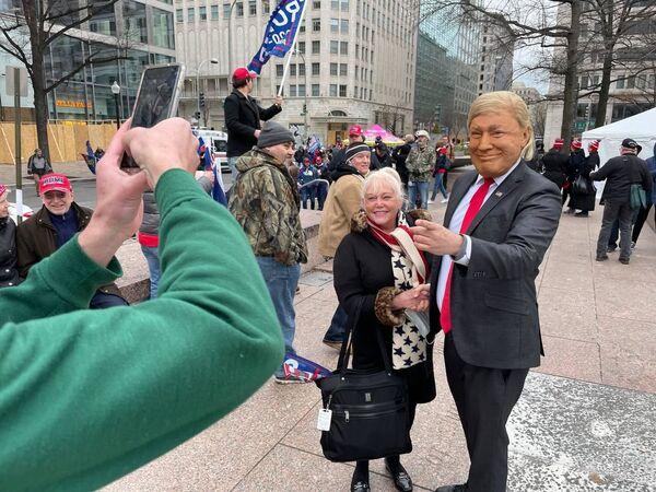 Poslední šance? V hlavním městě USA se na akci podporující Trumpa sešly tisíce lidí - Sputnik Česká republika