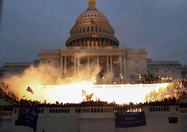 Nepokoje v Kapitolu