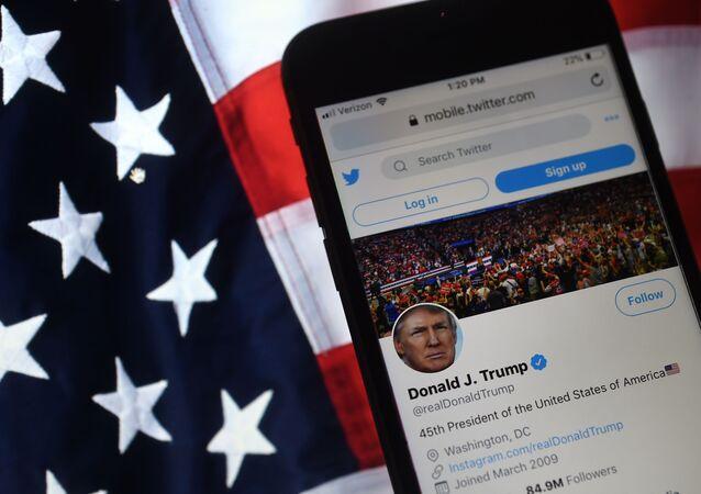 Účet amerického prezidenta Donalda Trumpa na Twitteru