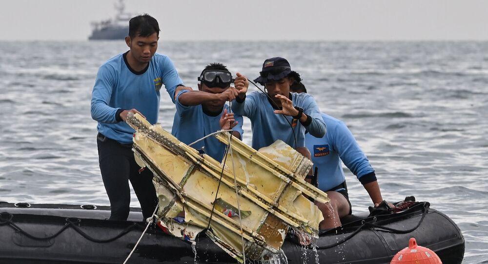 Potápěči našli trosky stroje