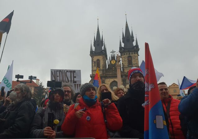 Stovky lidí sešly na Staroměstském náměstí