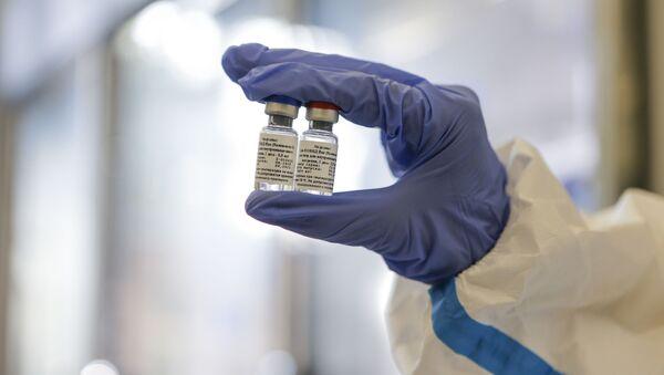 Výroba vakcíny Sputnik V v Ústavu epidemiologického a mikrobiologického výzkumu Nikolaje Gamaleji  - Sputnik Česká republika