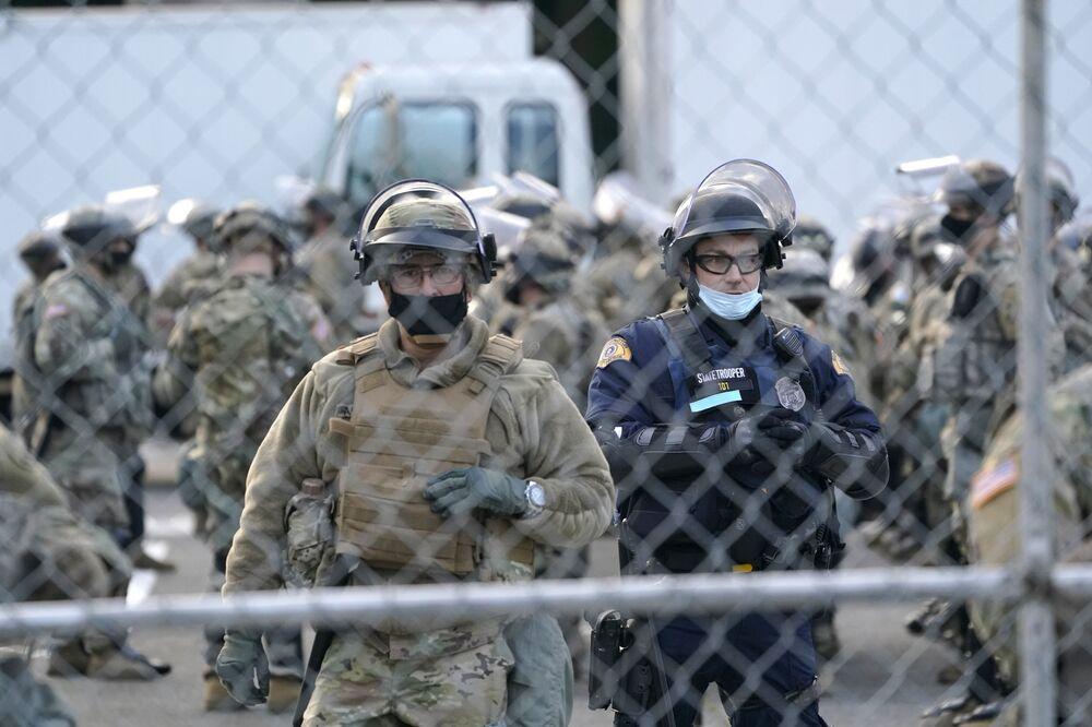 Americká národní garda a Washingtonská národní garda během bezpečnostních opatření ve Washingtonu