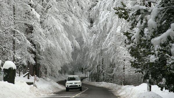 Automobil za zimního počasí - Sputnik Česká republika