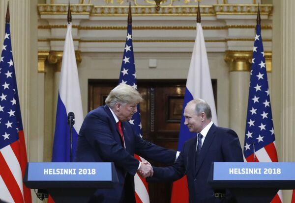 Setkání prezidenta USA Donalda Trumpa a prezidenta RF Vladimira Putina ve Finsku - Sputnik Česká republika