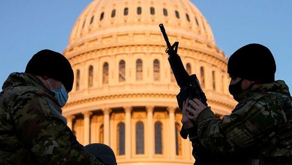 Člen americké národní gardy ve Washingtonu DC - Sputnik Česká republika