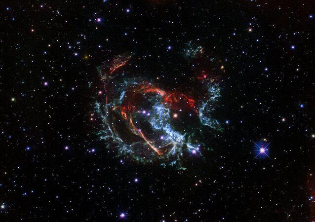 Snímek shluků supernovy 1E 0102.2-7219