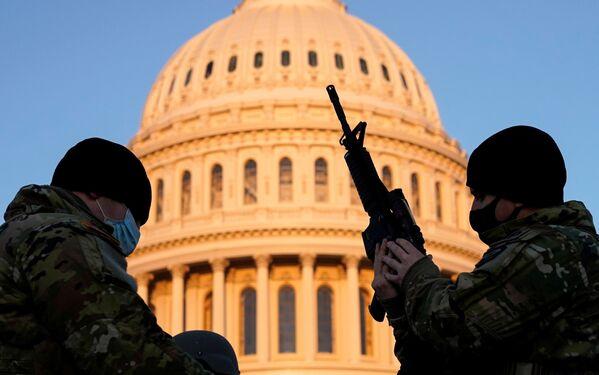 Příslušníci americké Národní gardy v Kapitolu - Sputnik Česká republika