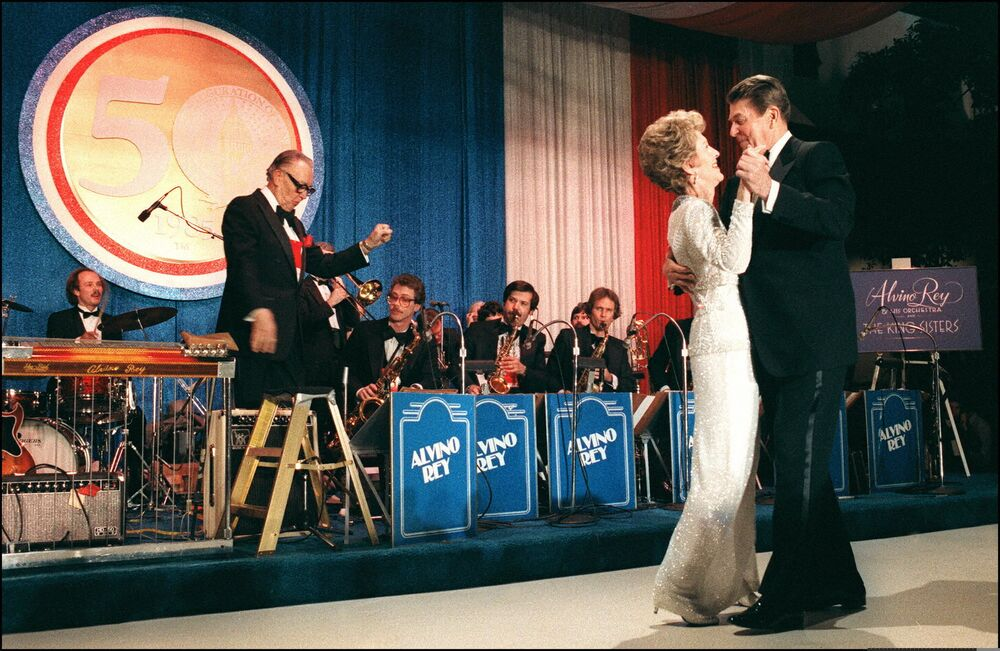 Ronald Reagan se svou manželkou Nancy Reagonovou