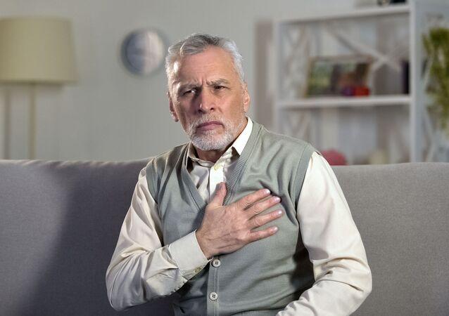 Senior se srdečními problémy