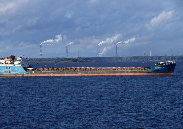 Ruská loď na převážení suchého nákladu (ilustrační foto)