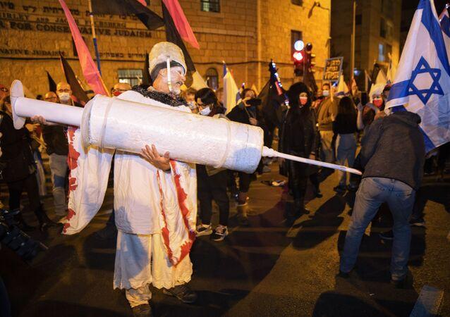 Historický impeachment, protesty a vakcinace po celém světě. Co zažil svět v uplynulém týdnu?