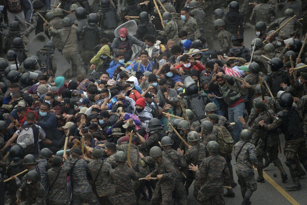 Inaugurace prezidenta USA, oslavy Křtu Páně v RF, výbuch v Madridu: Ohlédněme se za uplynulým týdnem pomocí fotografií