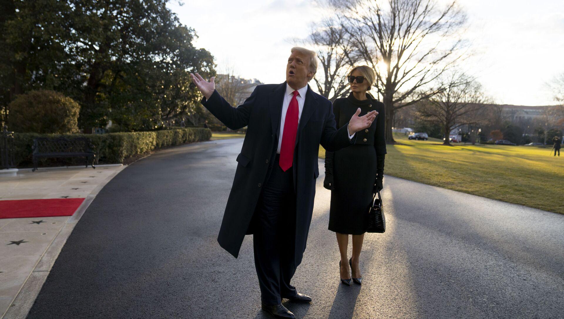 Donald a Melania Trumpová opouštějí Bílý dům - Sputnik Česká republika, 1920, 01.02.2021