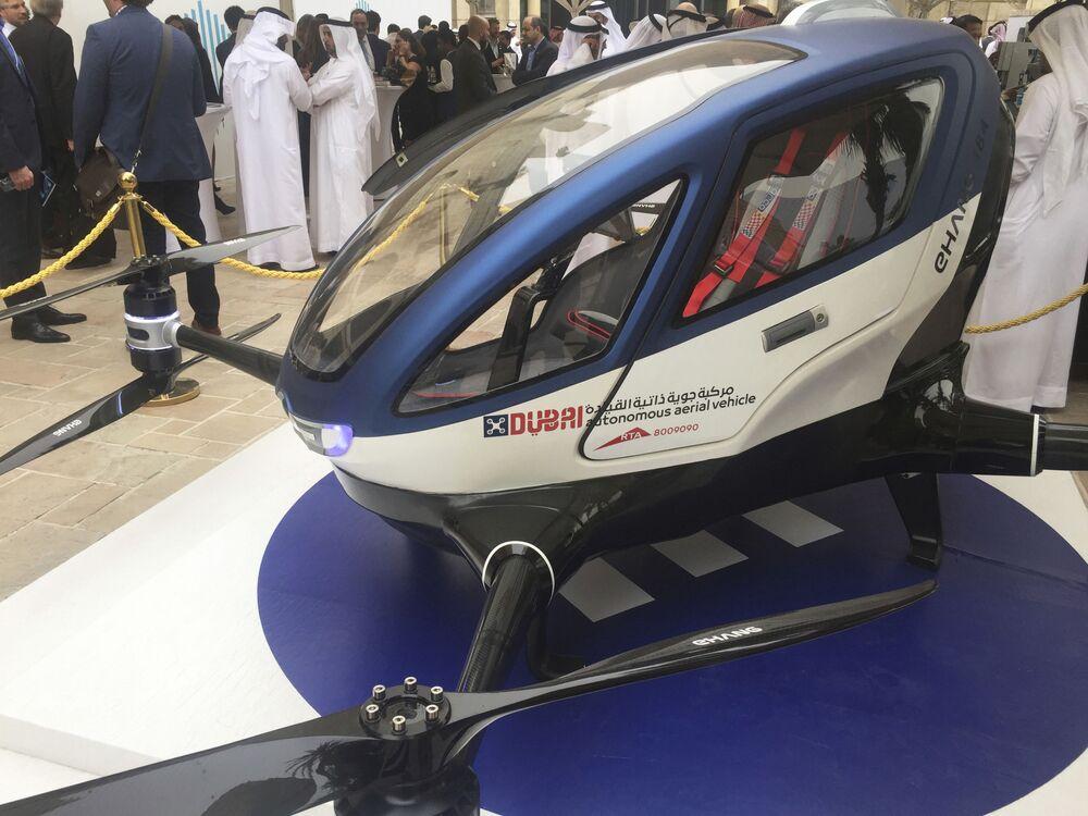 Taxi dron EHang 184 v Dubaji