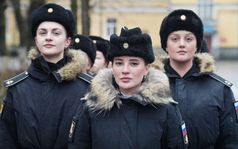 Kadetky během výcviku v Námořním institutu Petra Velikého v Petrohradě