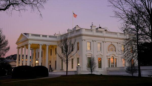 Výhled na Bílý dům ve Washingtonu - Sputnik Česká republika