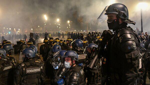 Protesty proti zákonu o globální bezpečnosti - Sputnik Česká republika