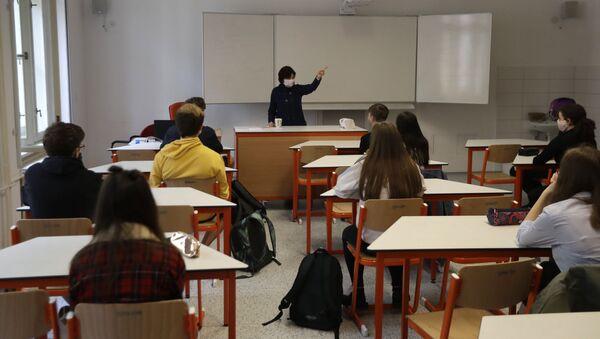 Výuka ve škole v Praze - Sputnik Česká republika
