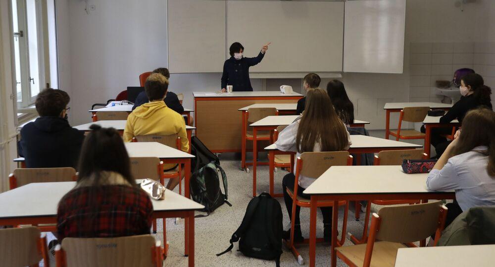 Výuka ve škole v Praze