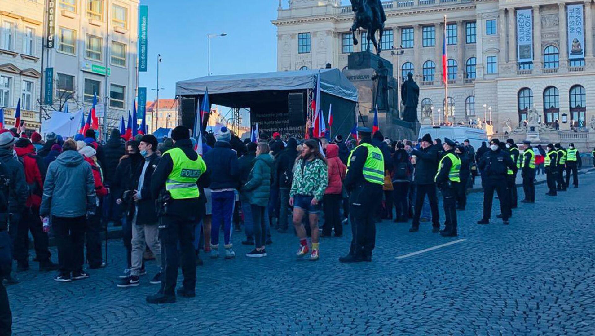 Na Václavském náměstí se protestuje proti opatřením a za svobodu - Sputnik Česká republika, 1920, 31.01.2021