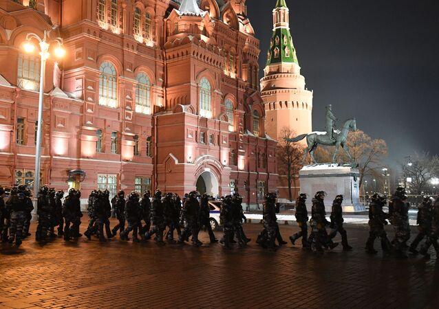 Policie na Manéžní náměstí  v Moskvě