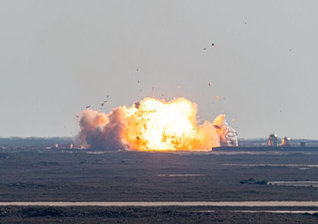 Starship SN9 explodes upon landing on February 2, 2021