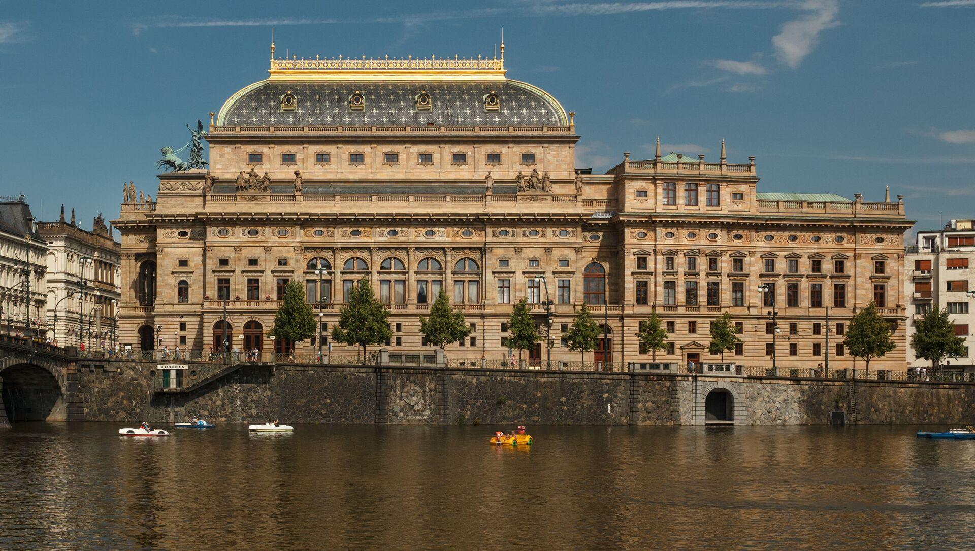 Historická budova Národního divadla  - Sputnik Česká republika, 1920, 03.02.2021