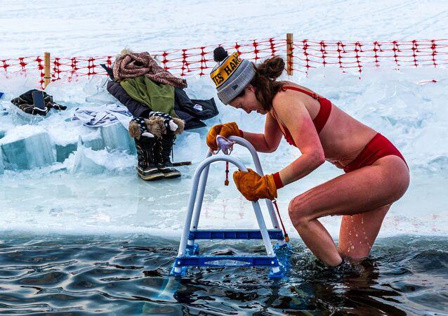 Otužilci z Nového světa: Zimní plavání na americký způsob