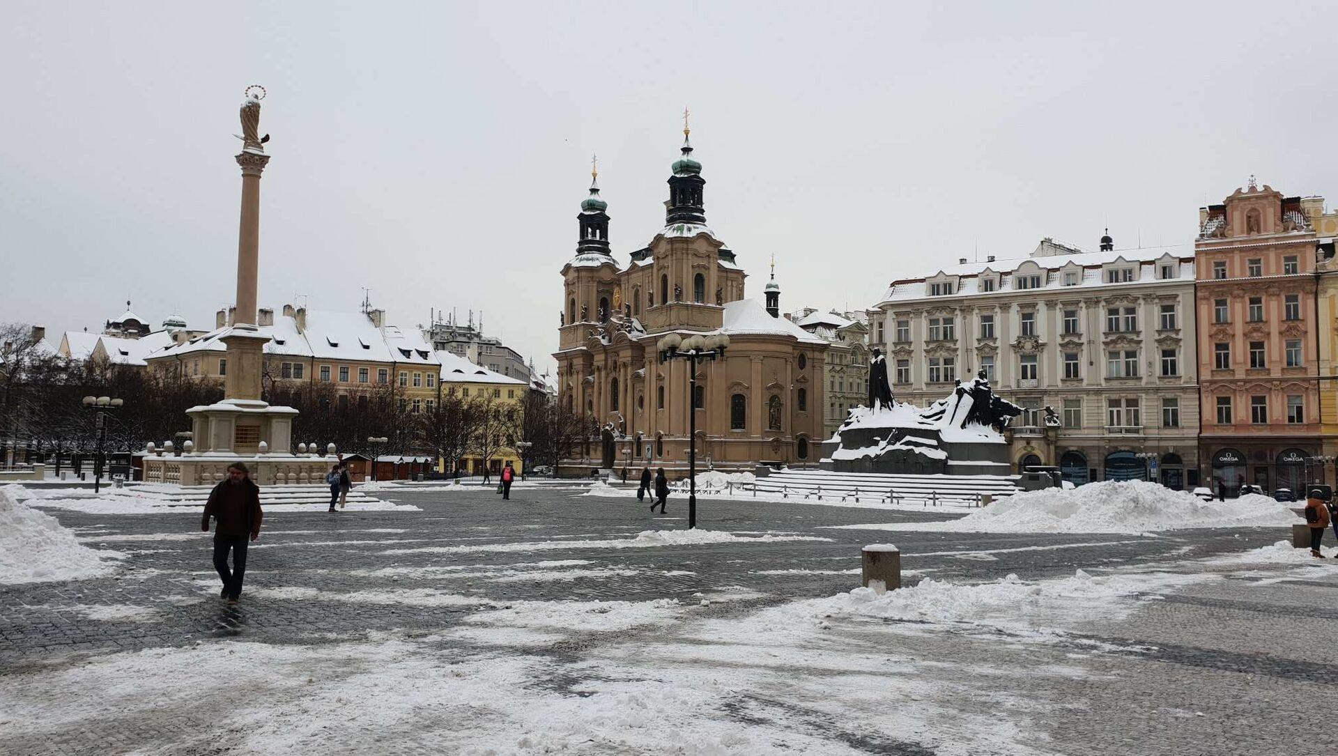 Jinde dnes Praha zela prázdnotou, nezvykle pustě dnes vyhlíželo Staroměstské náměstí... - Sputnik Česká republika, 1920, 09.02.2021