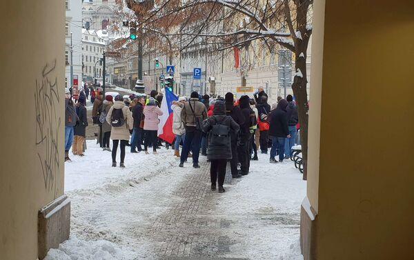 Lidé demonstrují za návrat dětí do škol - Sputnik Česká republika