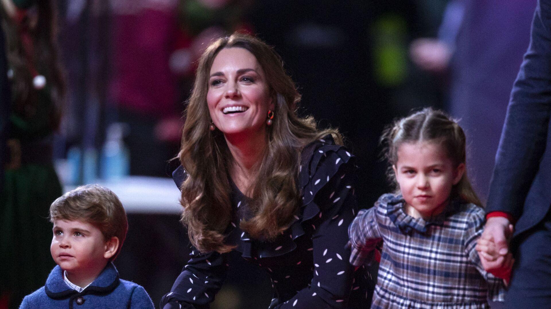 Kate Middletonová s dětmi princeznou Charlotte a princem Louisem - Sputnik Česká republika, 1920, 08.08.2021