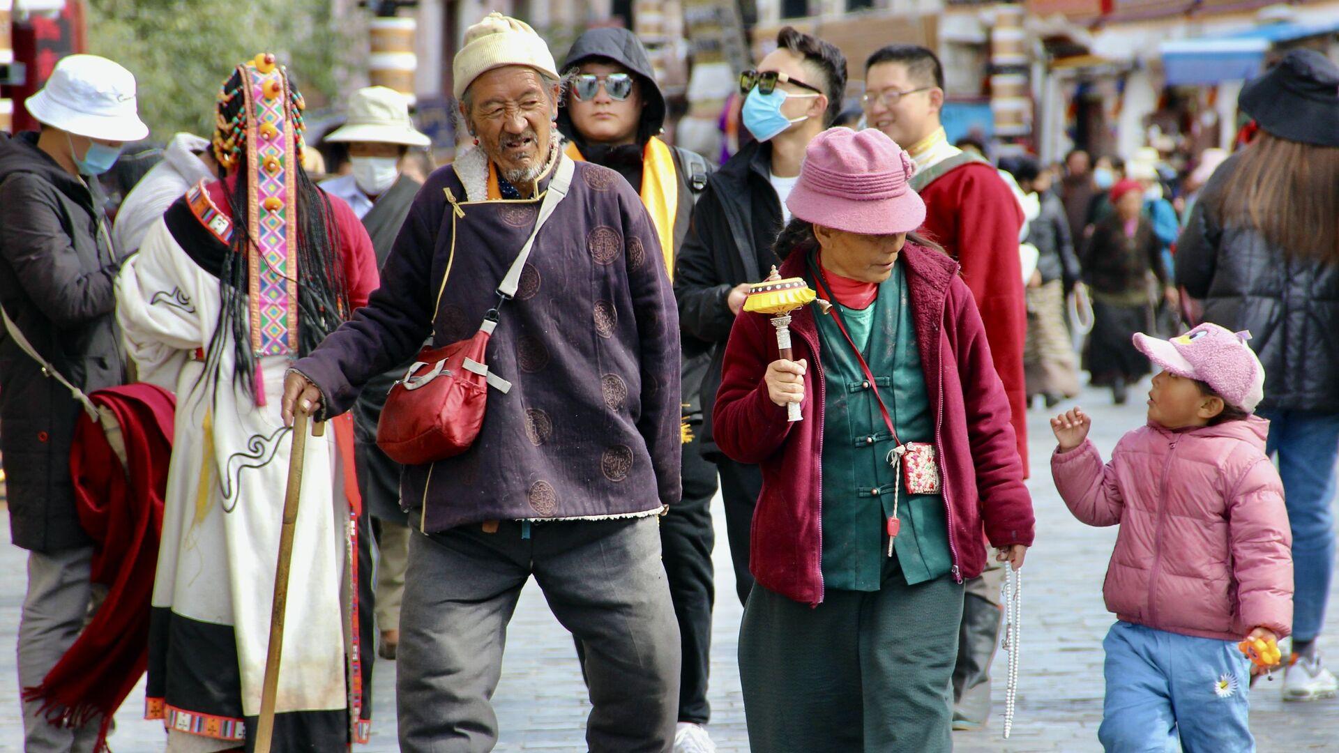 Místní obyvatelé města Lhasa v Tibetu - Sputnik Česká republika, 1920, 12.08.2021