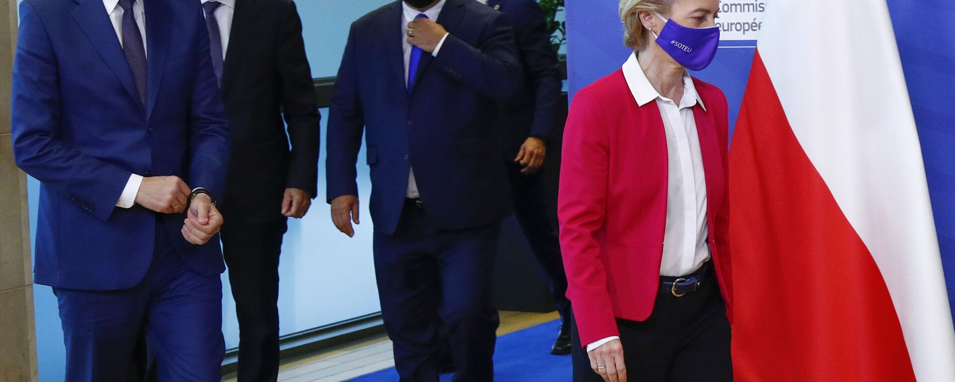 Mateusz Morawiecki, Andrej Babiš a Viktor Orban a předseda Evropské komise Ursula von der Leyenová v Bruselu - Sputnik Česká republika, 1920, 10.02.2021