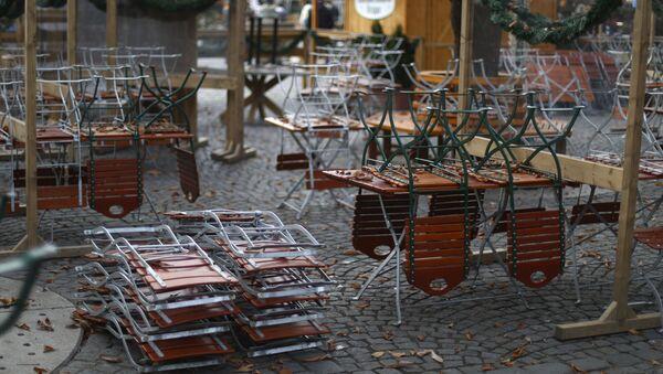 Uzavřená pivní zahrada v Mnichově - Sputnik Česká republika