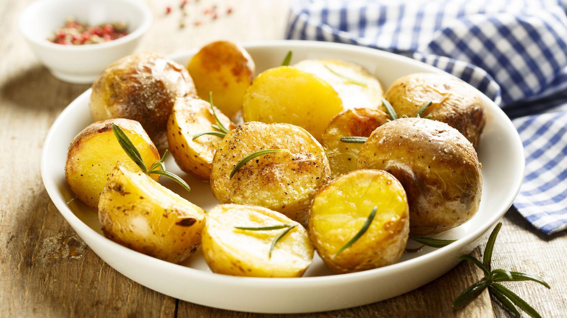 Pečené brambory s rozmarýnem - Sputnik Česká republika, 1920, 14.06.2021