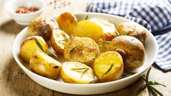Pečené brambory s rozmarýnem - Sputnik Česká republika