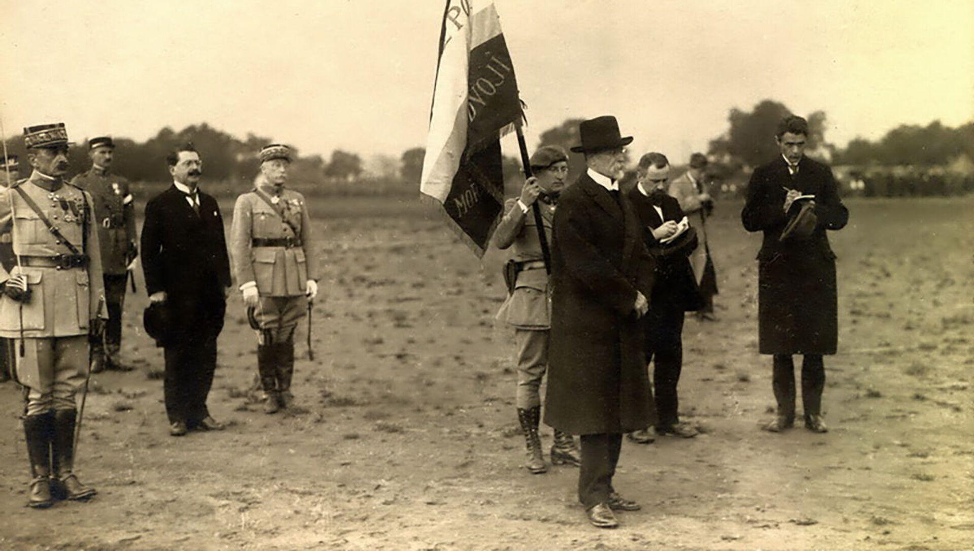 Vojenská slavnost v Praze za účasti čs. prezidenta T.G. Masaryka a příslušníků Francouzské vojenské mise - Sputnik Česká republika, 1920, 20.04.2021