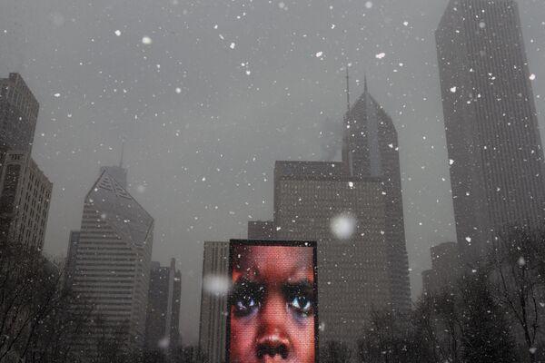 Video socha Crown Fountain v Millennium Parku v Chicagu. - Sputnik Česká republika
