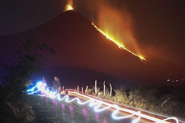 Erupce sopky Pakaya, Guatemala.  - Sputnik Česká republika