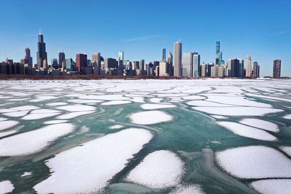 Led na michiganském jezeře, USA.  - Sputnik Česká republika