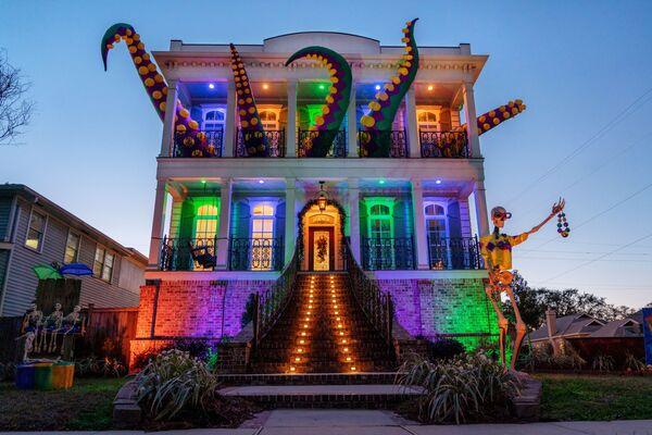 Vyzdobeno na počest mardi gras dům v New Orleans, USA. - Sputnik Česká republika