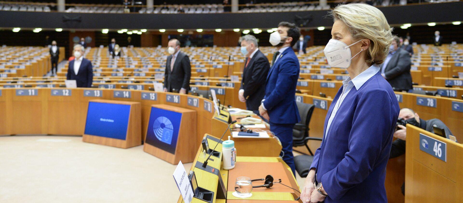 Debata o boji proti koronaviru a evropské strategii očkování v Evropském parlamentu - Sputnik Česká republika, 1920, 15.02.2021
