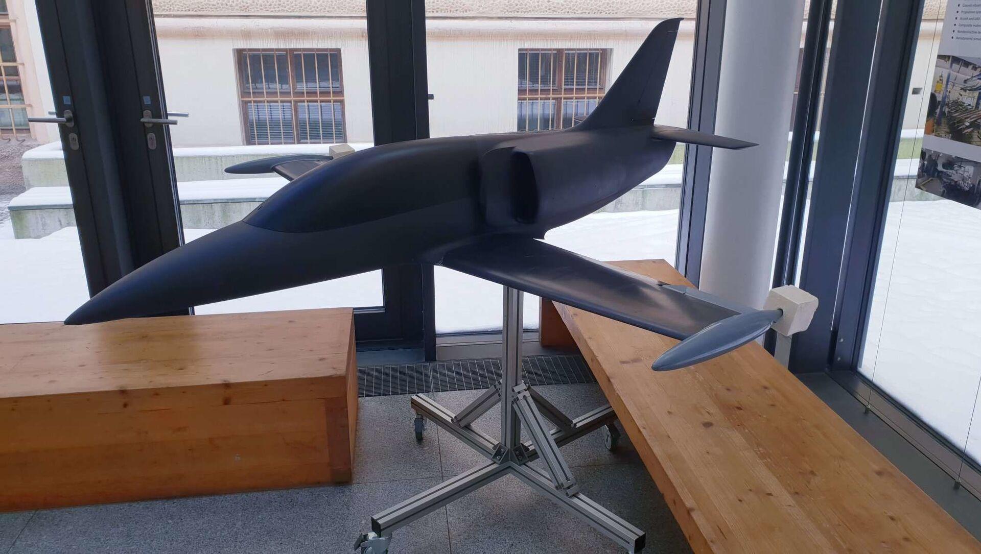 L-39 má i podobu ultralightu, který je vyvíjen na ČVUT v Praze. L-39 NG z AeroVodochody má menšího bratříčka.... - Sputnik Česká republika, 1920, 20.04.2021