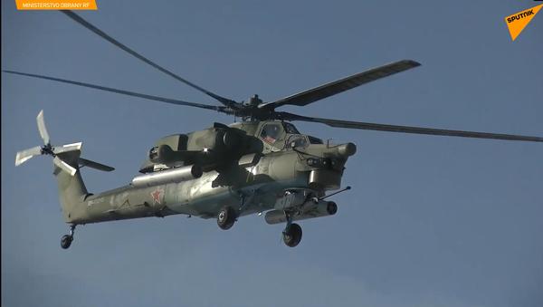 Střelba vrtulníků vojenského letectva v Pskovské oblasti v Rusku zničila síly cvičného protivníka - Sputnik Česká republika