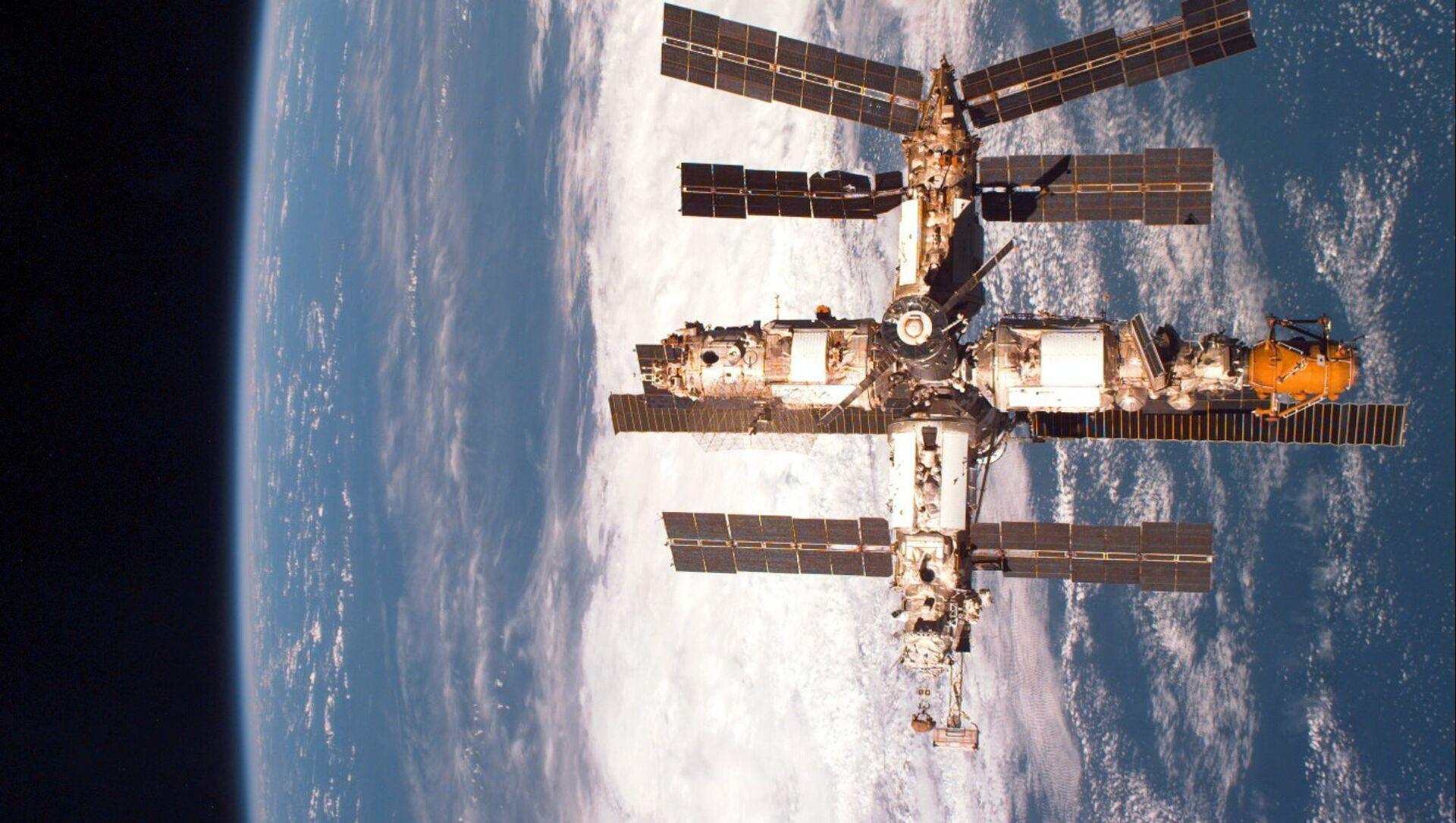 Vesmírná stanice Mir - Sputnik Česká republika, 1920, 20.02.2021