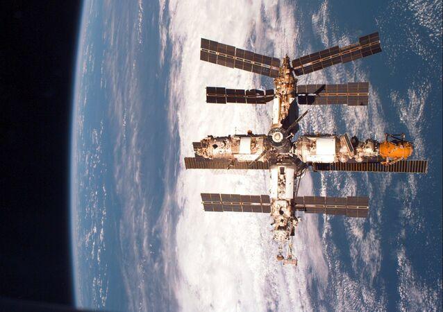 Vesmírná stanice Mir